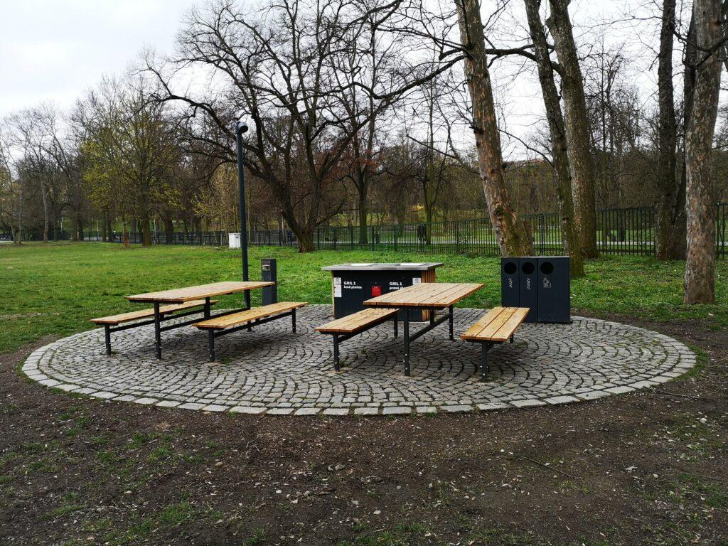 dětský den grilovan v parku